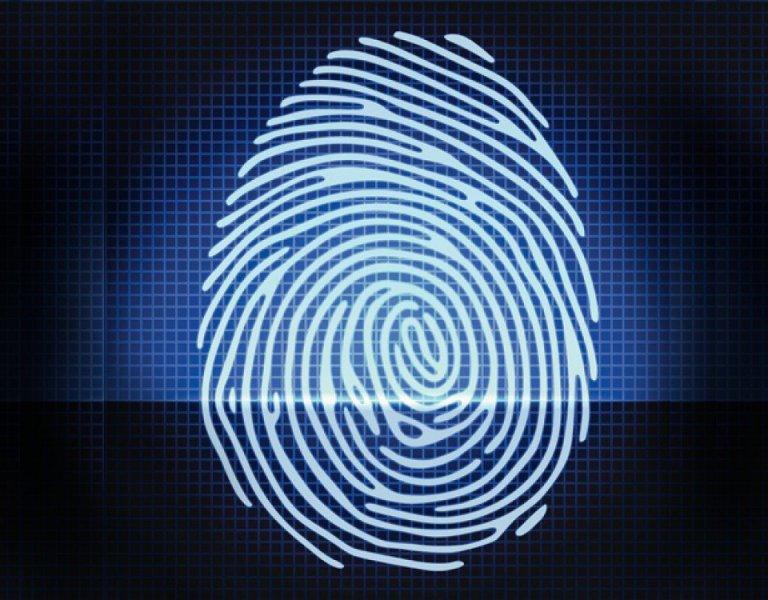 A importância do leitor biométrico para os relógios de ponto
